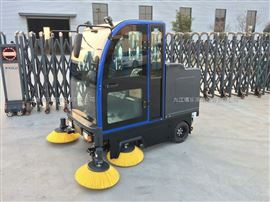 江西駕駛式全封閉掃地車 江西駕駛式掃地機 電動駕駛式掃地機