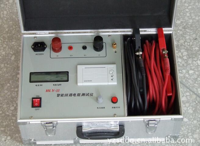 一、概述 SXHL-100A开关回路电阻测试仪(接触电阻测试仪)采用先进的大功率开关电源技术和先进的电子线路精制而成。是高、低开关、电缆电线及焊缝接触电阻的专用测试仪器。其电流采用国家标准GB763所推荐的100A直流,可在100A电流的情况下测得被试品的电阻值。本仪器采用双液晶显示屏阻值及电流值,克服了红色数码管显示器在阳光下不便读数的缺点,具有体积小、重量轻、抗干扰能力强、精度高、操作方便、保护功能完善等特点。 二、技术指数: 1、输入电压:AC220V±20%,50HZ 2、输出电流: