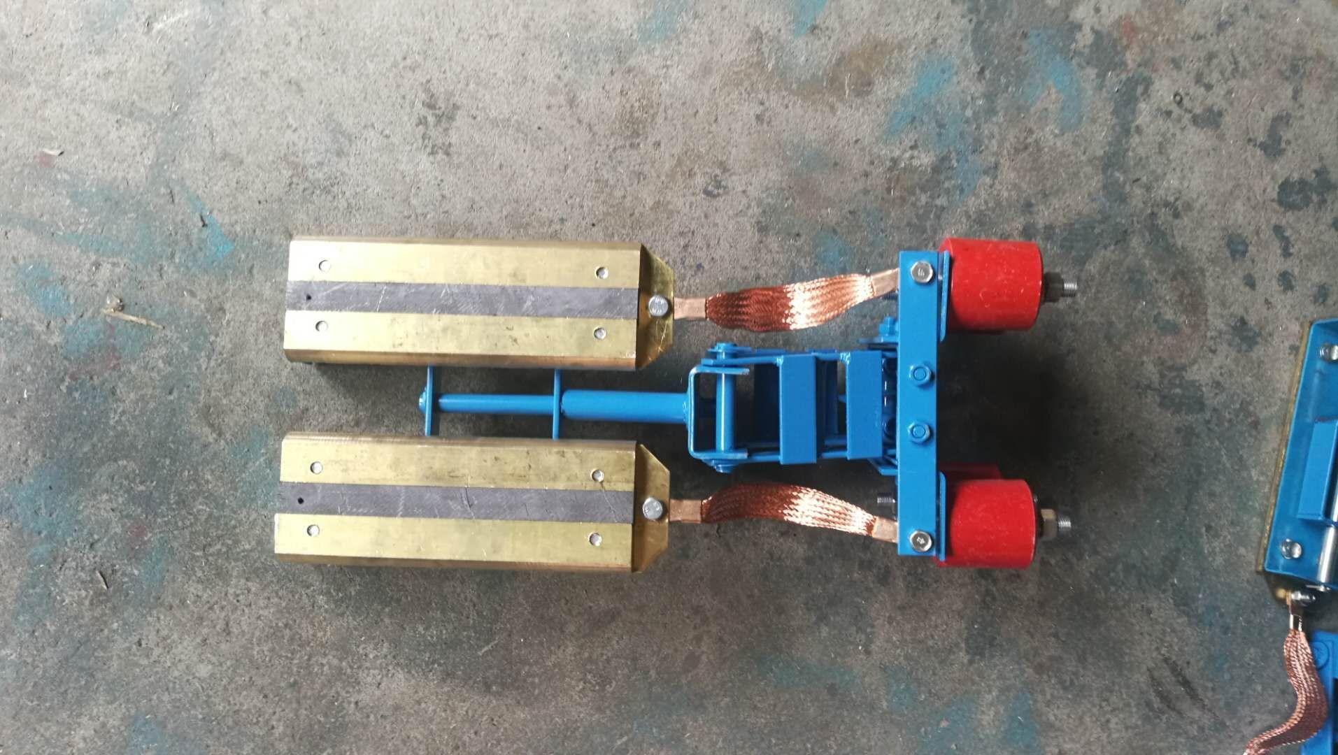 集电器碳刷 刚体集电器滑块 石墨导电刷导电块